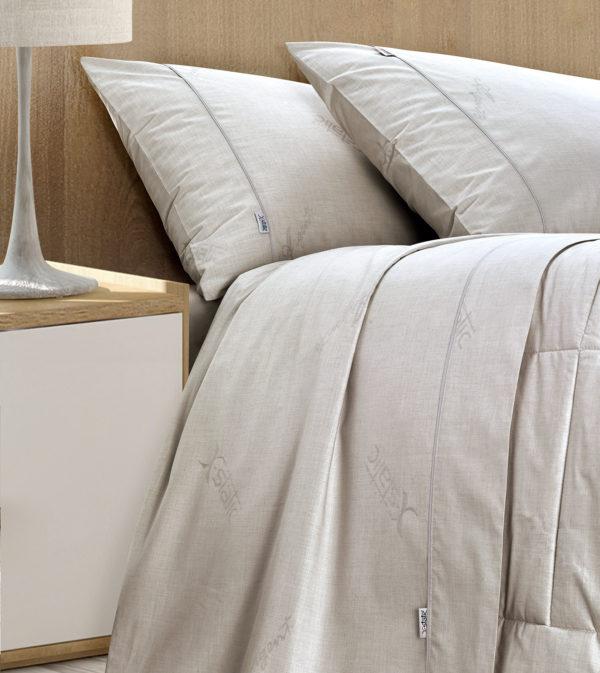 Schlafzimmer mit SilverPro Bettlaken-Set